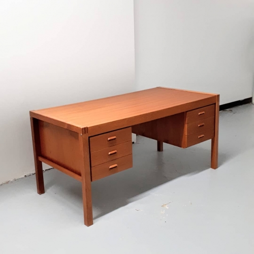 Bent Silberg Desk
