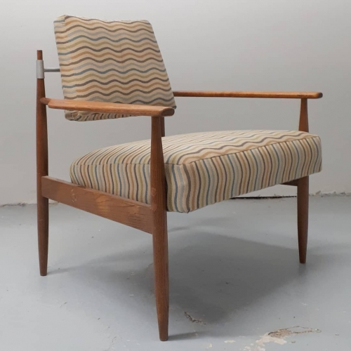 Selrite Lounge Chair