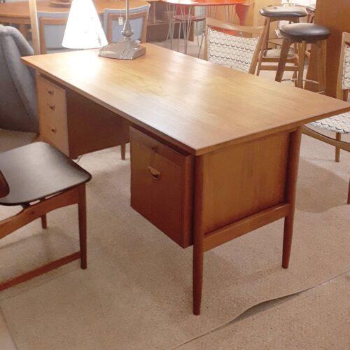 Hvidt & Molgaard Desk