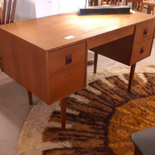 Punch Design Desk