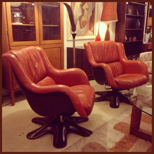 Yrjo Kukkupuro Matching Karuselli Lounge Chairs